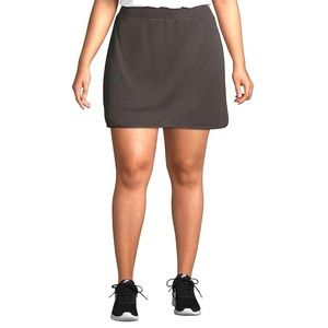 Plus Size Woman's Skort